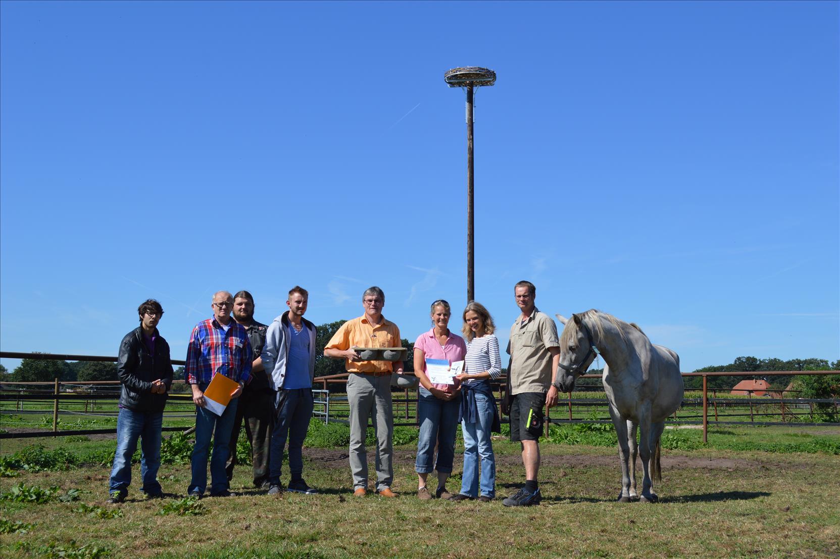 Einweihung von neuem Storchenhorst:  Pferdehof Gramann,  Ludgeruswerk  &  NABU