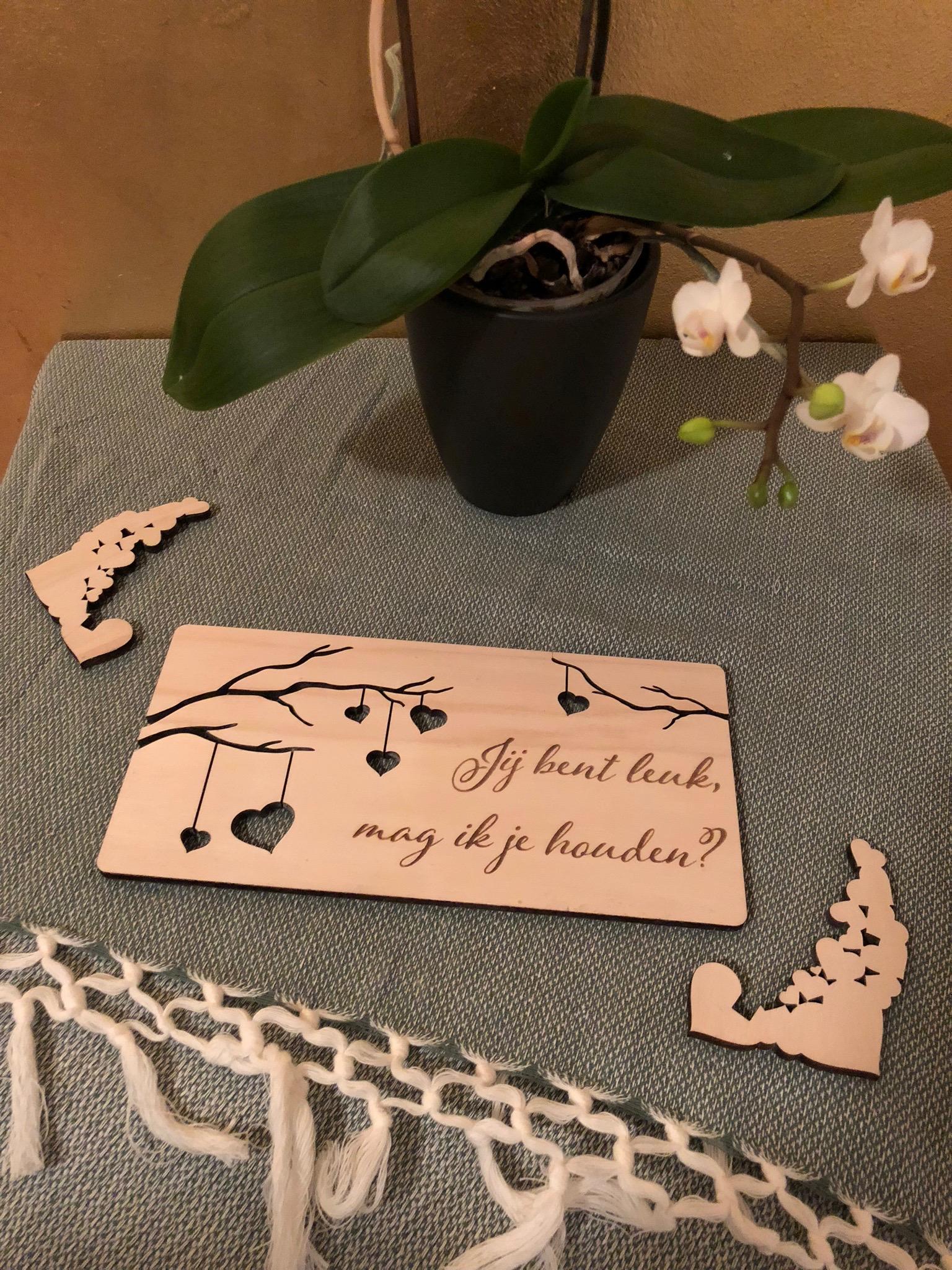 Houten trouwkaart naar wens te ontwerpen