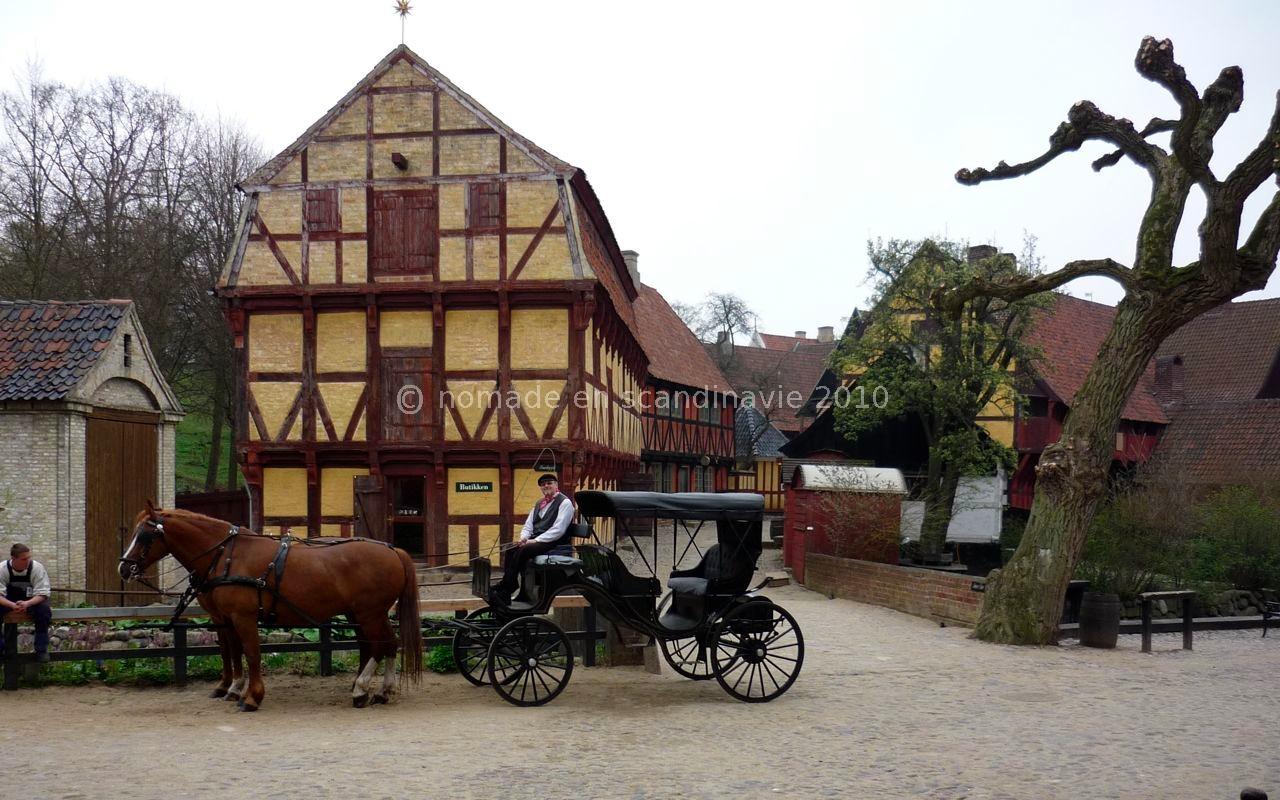 Den Gamle by (la vieille ville), à Aarhus, transport en calèche
