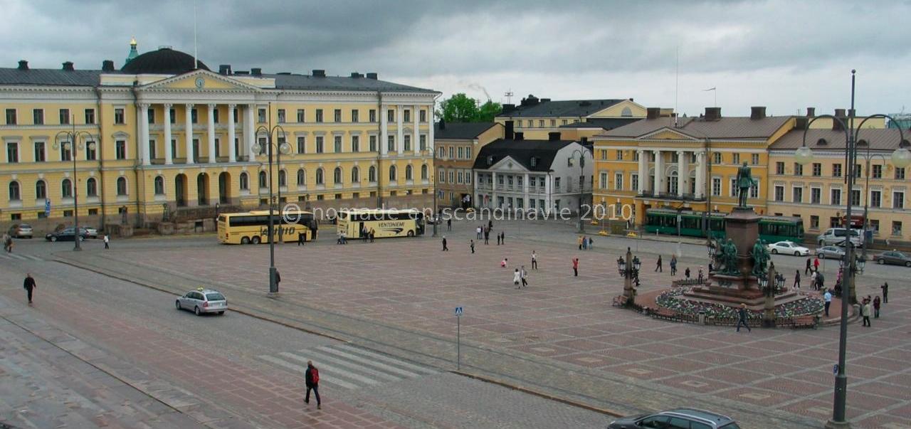 Helsinki, Place du Sénat