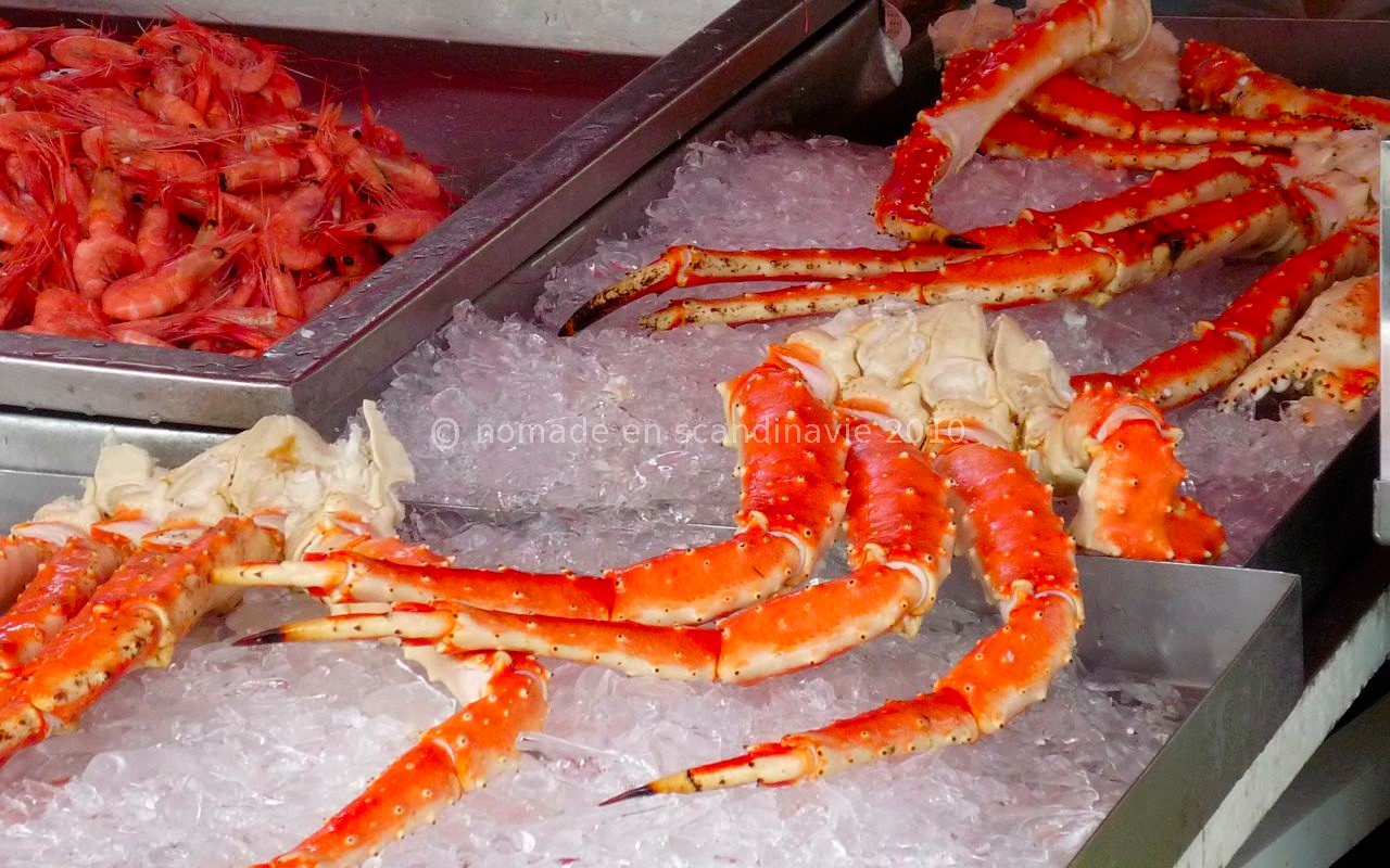 Crabe royal au marché aux poissons
