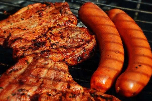 尿路結石の再発を予防するために、コレステロールや、脂肪の多い食べ物は控えてください。