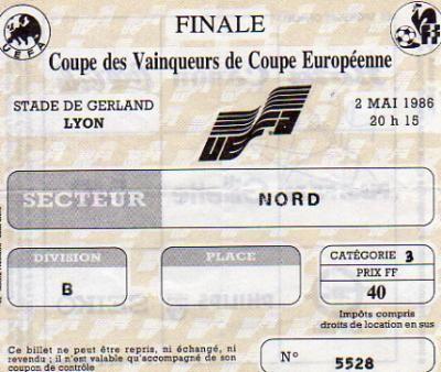 1986 à Lyon :  Dinamo Kiev - Athletico Madrid  3 - 0