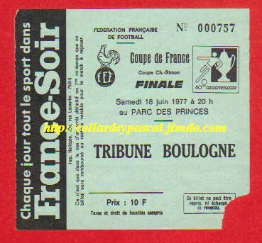 1977 : AS St Etienne bat Stade Reims  2 - 1