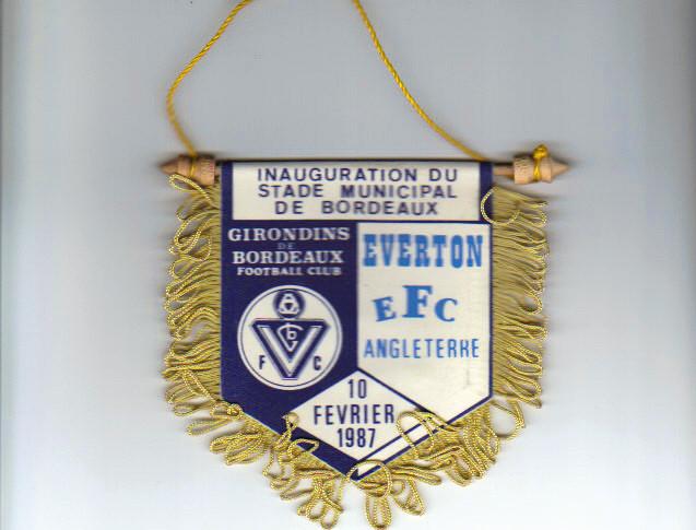 Très rare fanion commémoratif Inauguration Nouveau Stade de Lescure