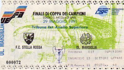 1991 à Bari :  Etoile Rouge Belgrade - Olympique de Marseille  0 - 0 tab