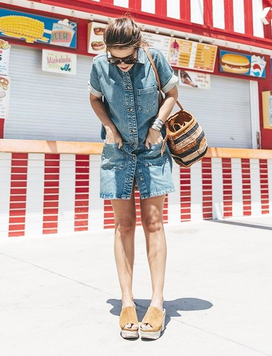 Robe en jean, panier et compensés - collagevintage.com