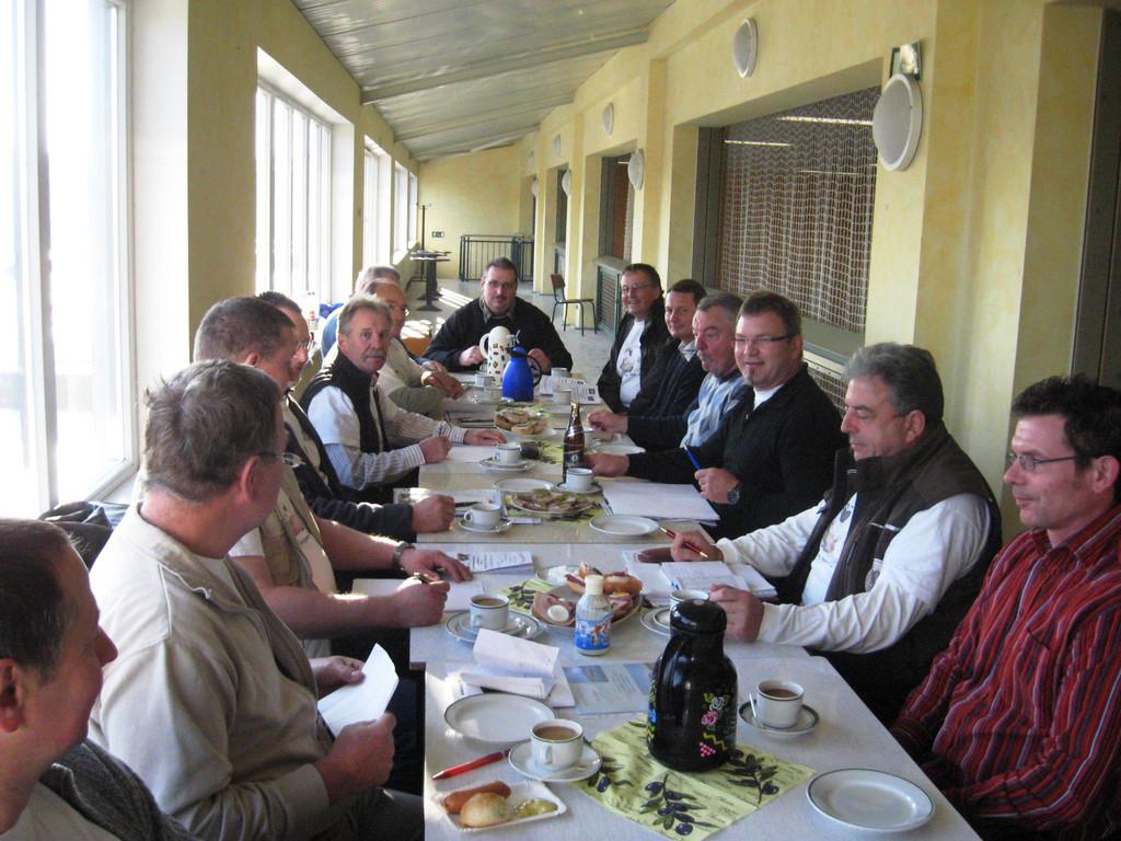 Sonntag morgen 09.00 Uhr war die Clubtagung angesetzt, fast alle Mitglieder waren anwesend