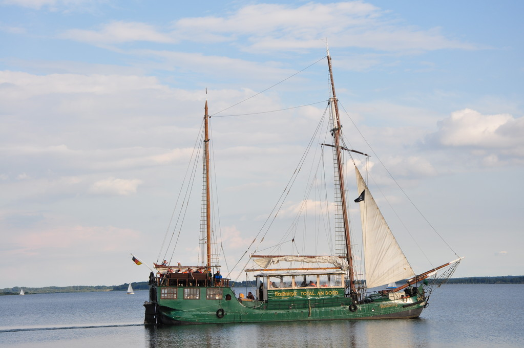ein alter Holländer - herausgeputzt für die Gastschifffahrt