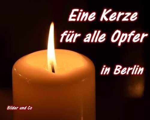Der Anschlag auf den Weihnachtsmarkt Zwölf Menschen starben beim Anschlag auf den Berliner Weihnachtsmarkt am Breitscheidplatz.