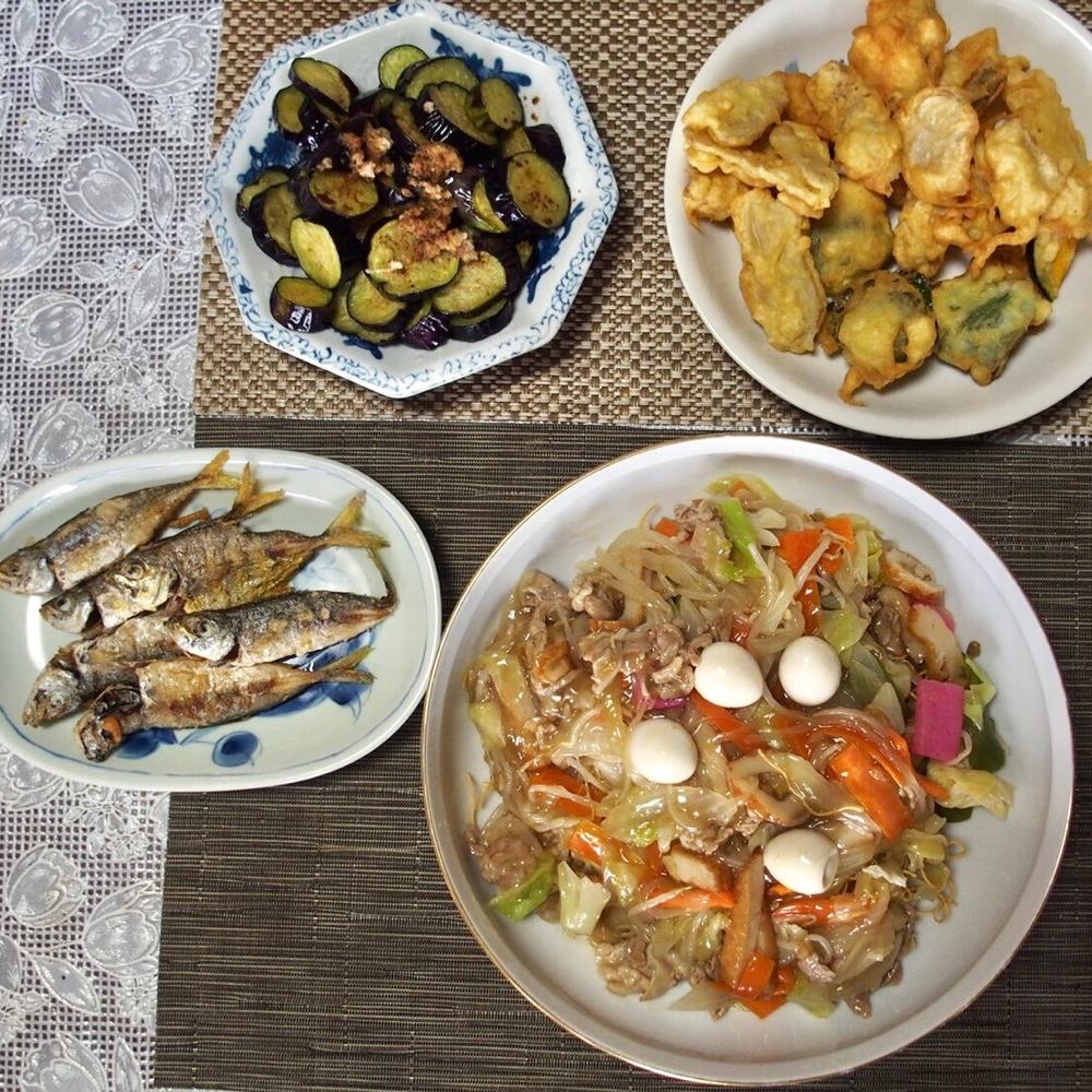〖長崎の自然盛りだくさんメニュー〗ナスの素揚げ・ミョウガ、カボチャ、アジの天ぷら・皿うどん