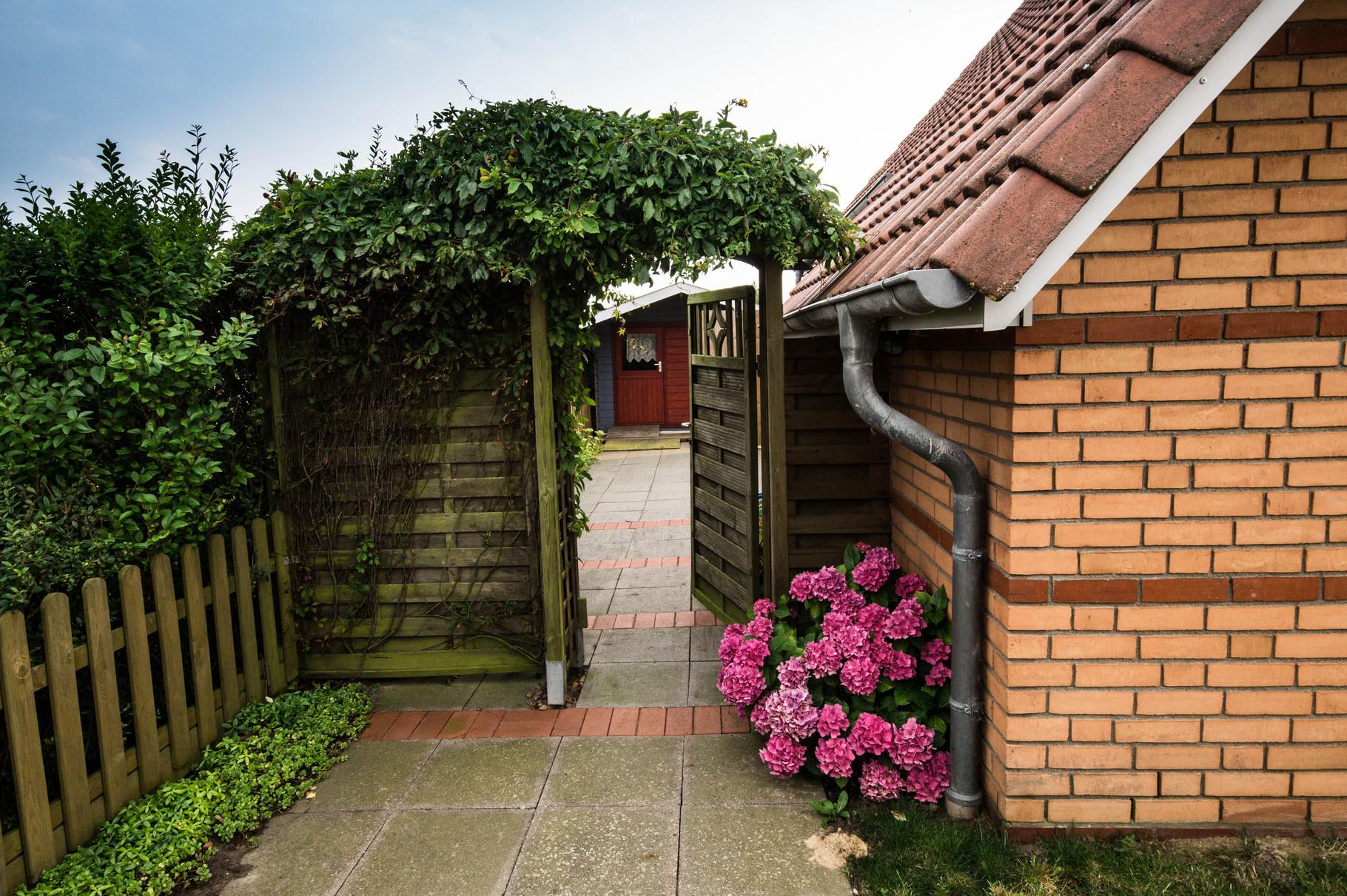 Der Eingang zum Garten