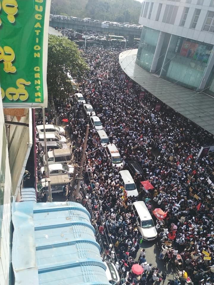【ニュース】ミャンマー 全国で市民不服従運動(Civil disobedience)始まる