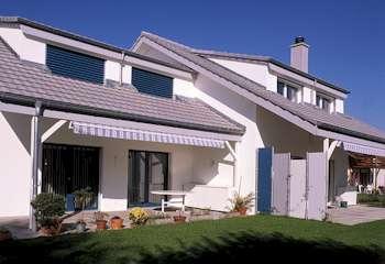 Baumeister Grütter mit dem Team Immobilien Solothurn hat diese Häuser gebaut. Lerne die Baumeisterarbeiten kennen