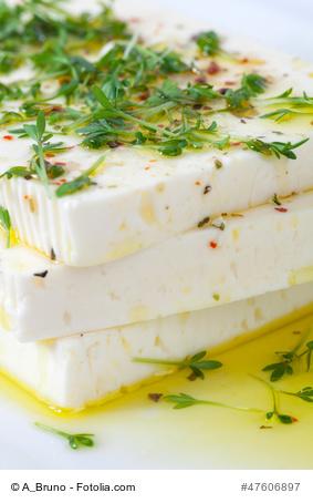 Olivenöl und Schafskäse