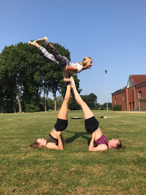 Sommertraining draußen, wieder mit Körperkontakt