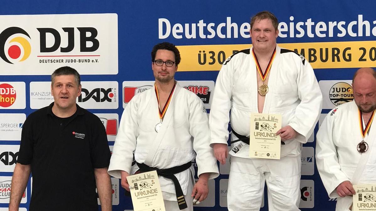 Michael Apelt erfolgreich bei Ü30 DEM