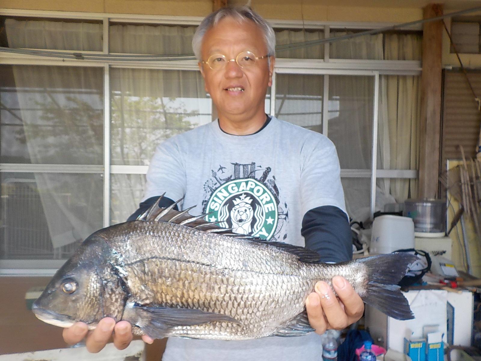 5月5日 ダゴチン釣りで五十嵐さん ガバチヌ50㎝