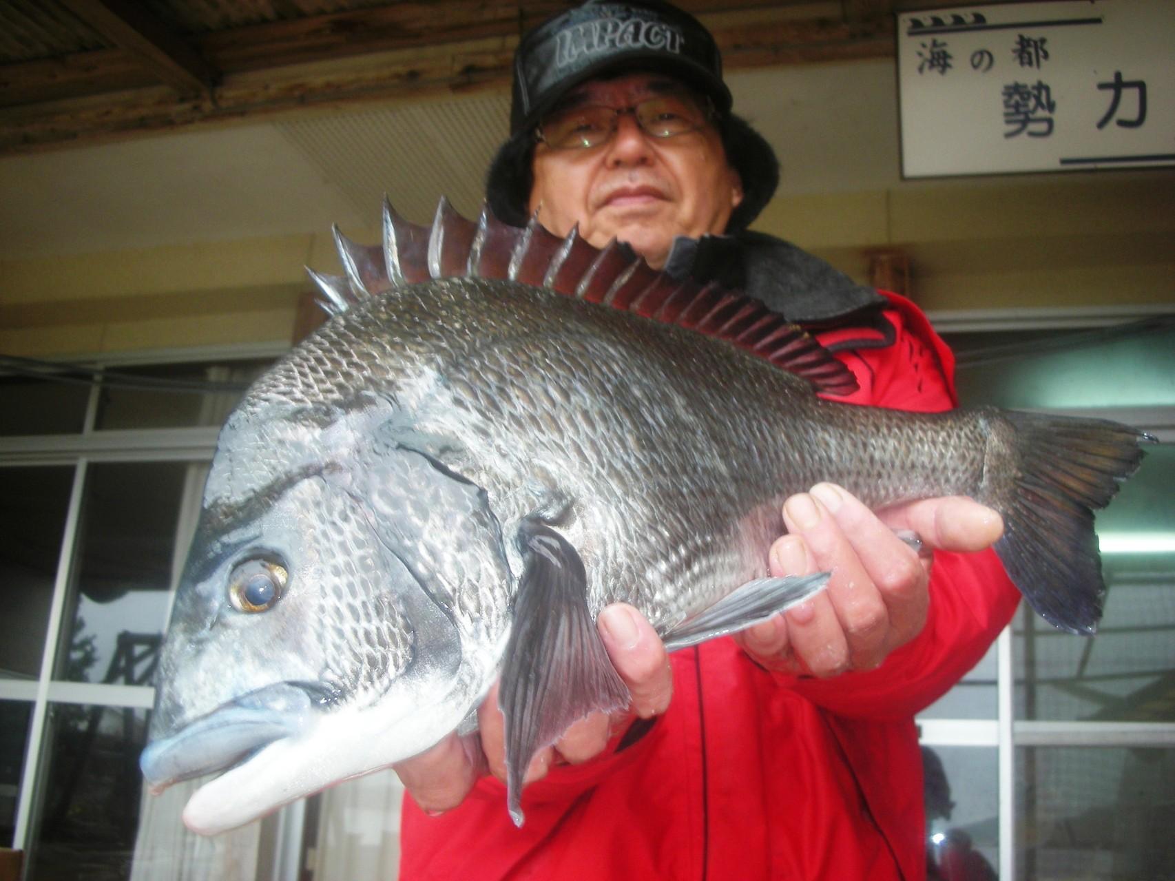 12月25日 ダゴチン釣りで田中さん ガバチヌ50.6㎝