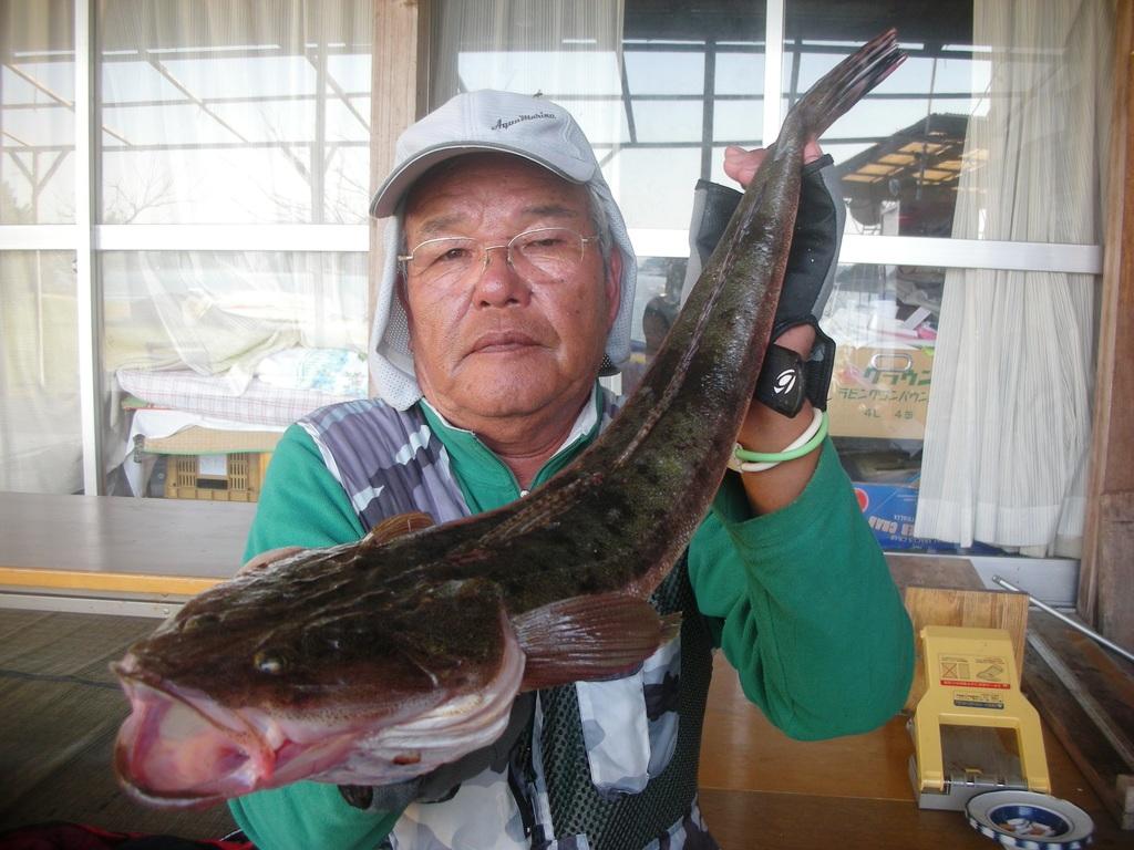 10月19日 ダゴチン釣りで林田さん マゴチ60㎝・1.6㎏