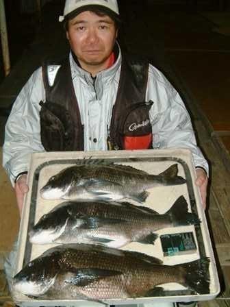 3月2日 磯からフカセ釣り 渡辺さん 51.5㎝・49.5㎝(全7匹)