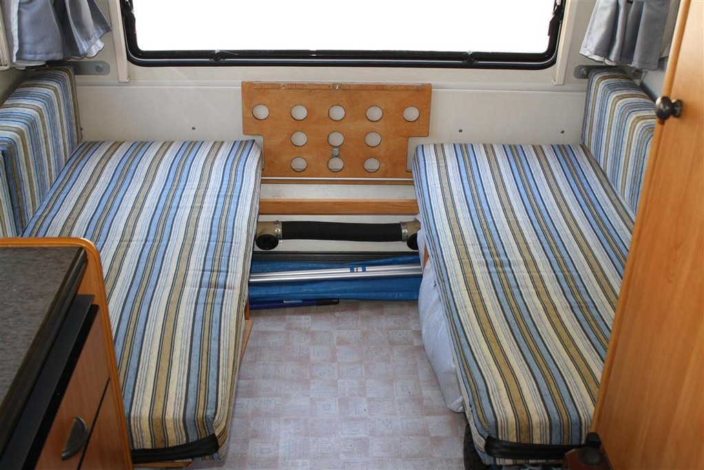 wohnwagen bett umbauen wohn design. Black Bedroom Furniture Sets. Home Design Ideas