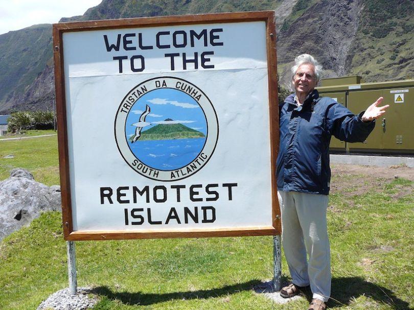 17º. Tristan da Cunha, en pleno Atlantico Sur, la isla la más aislada del mundo, a más de 2000 kilómetros de otro lugar habitado. Me ha costado 10 años de búsqueda encontrar un barco de pesca que pudiese llevarme.