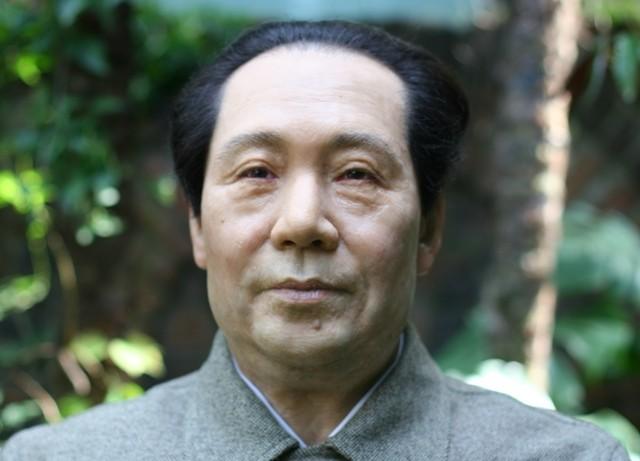 毛沢東  「ただ人民のみが世界の歴史を創造する原動力である」    /63museum