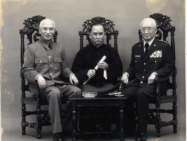 孫文(中央) 中国革命の父 「東洋の王道国家たれ」と日本を叱責!