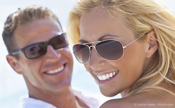 Makellos schöne Zähne mit Veneers: Von echten nicht zu unterscheiden.