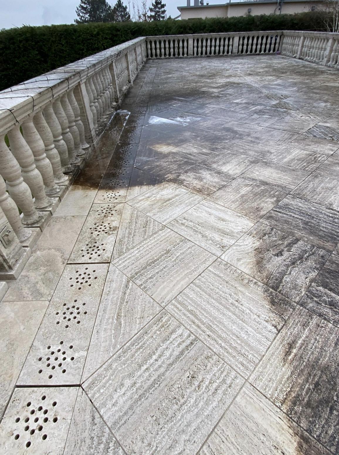 Reinigung und Bearbeitung Travertin Naturstein