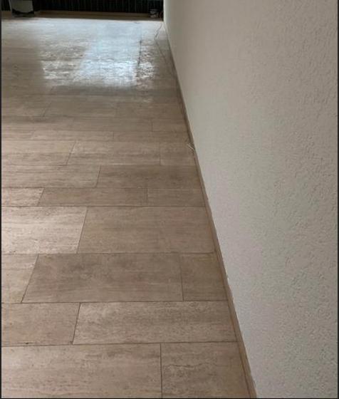 Reinigung und Bearbeitung Naturstein Travertin (vorher)