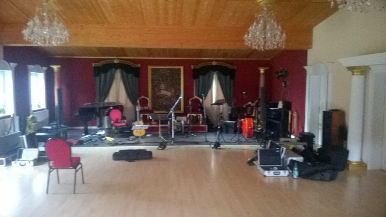Probenarbeit zum Konzert in der Villa D`Aragon