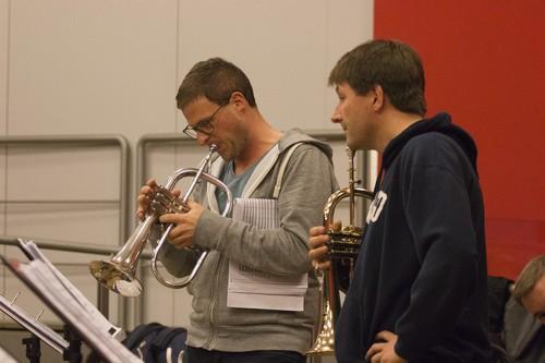 """Die Solostelle in """"Carol of the Bells"""" wird auf einem Qualitätsflügelhorn von Getzen demonstriert."""