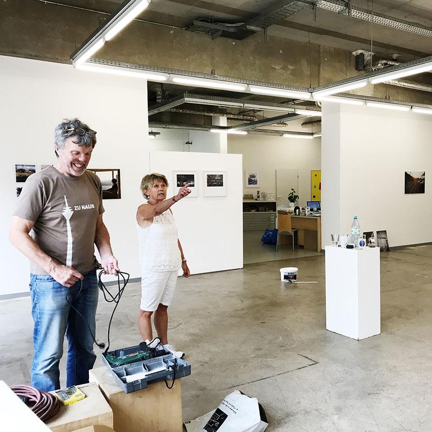 Aufbau Fiftyfifty-Galerie Düsseldorf 2018