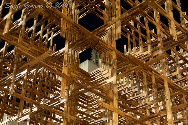 Estructura de bambu realitzada per l' arquitecte Liu Xiaodu (Urbanus)  a Barcelona l' estiu de 2014