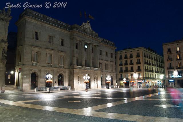 Plaça de Sant Jaume de Barcelona, amb el palau de l' Ajuntament de Barcelona