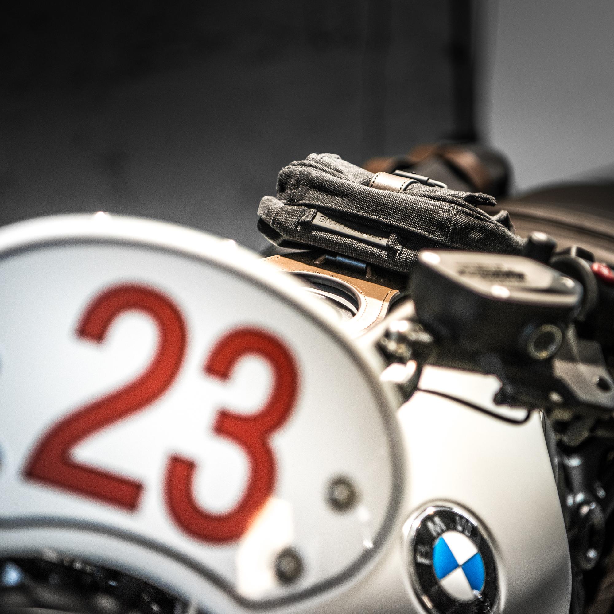Paar Spiegel Street Carbon-Look Logo Weiß BMW S 1000 R Naked