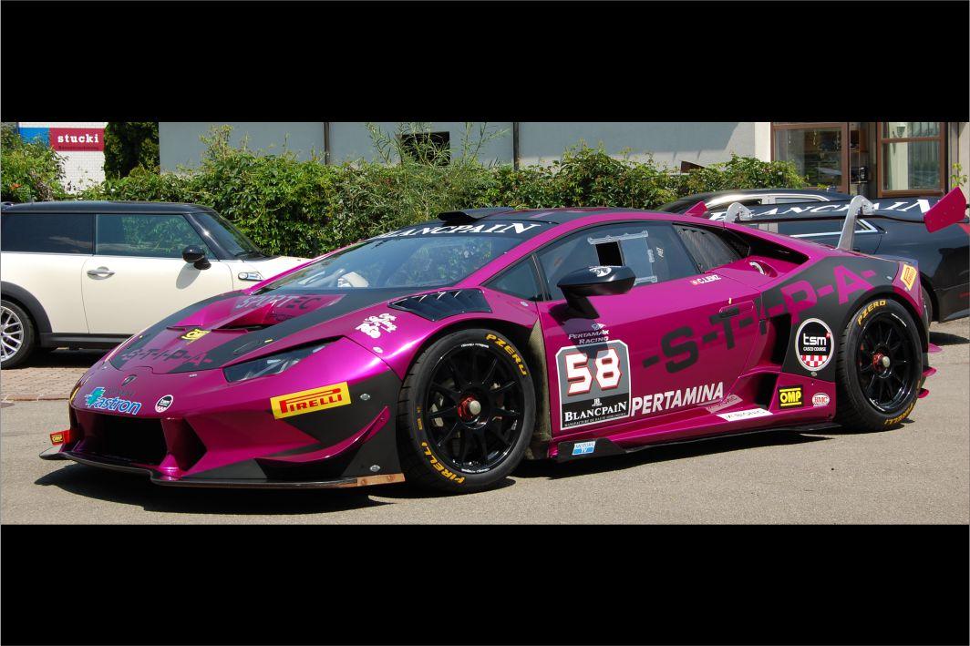 Lamborghini Huracan Folierung 3M 1080 G348 Gloss Fierce Fuchsia