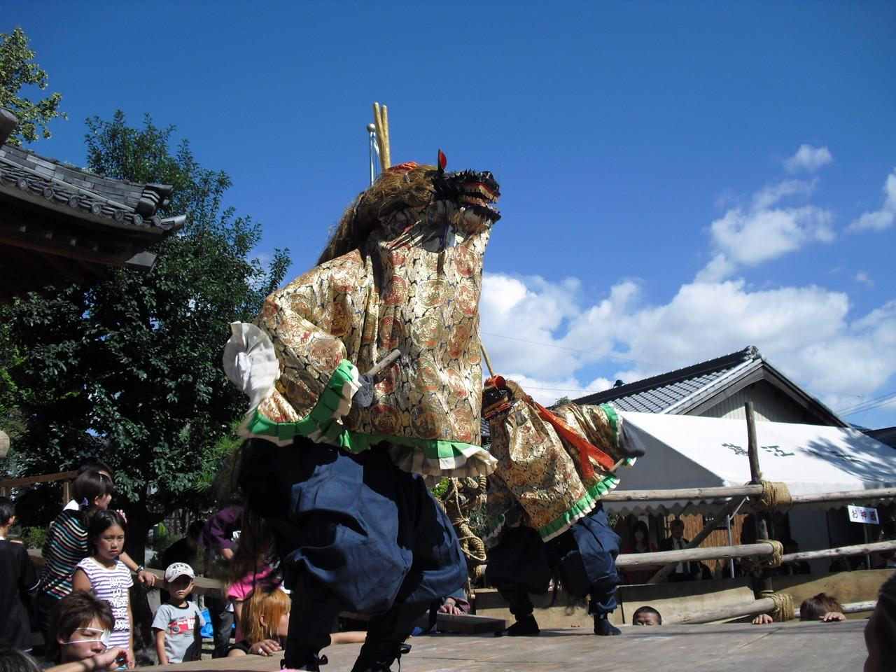 だんつく獅子舞(10月中旬開催:藤江)