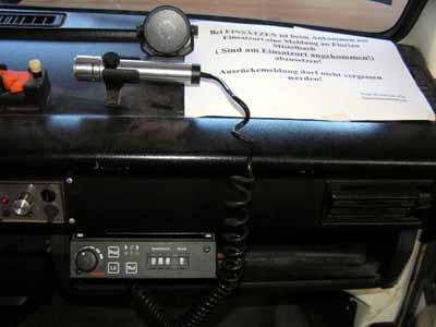 Fahrzeugfunkgerät Motorola | Rufname: Pumpe Ebersdorf, Baujahr: 1981, Standort: KLF, Einsatzgebiet: Funkverbindung mit Bezirks- und Landeswarnzentrale und anderen Feuerwehren