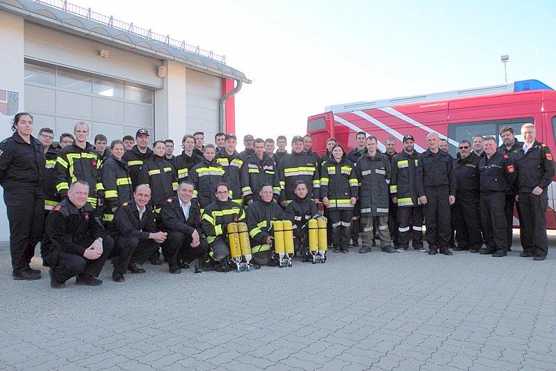 Abschluss-Gruppenfoto des Moduls Atemschutzgeräteträger, Bildquelle: www.bfkdo-mistelbach.at