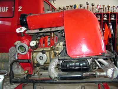 Tragkraftspritze TS VW 750 Automatik | Motor: VW 122 Baujahr: 1966, Wasserfördermenge: 800 l/min, Einsatzgebiet: Löschwasserförderung Brandeinsatz