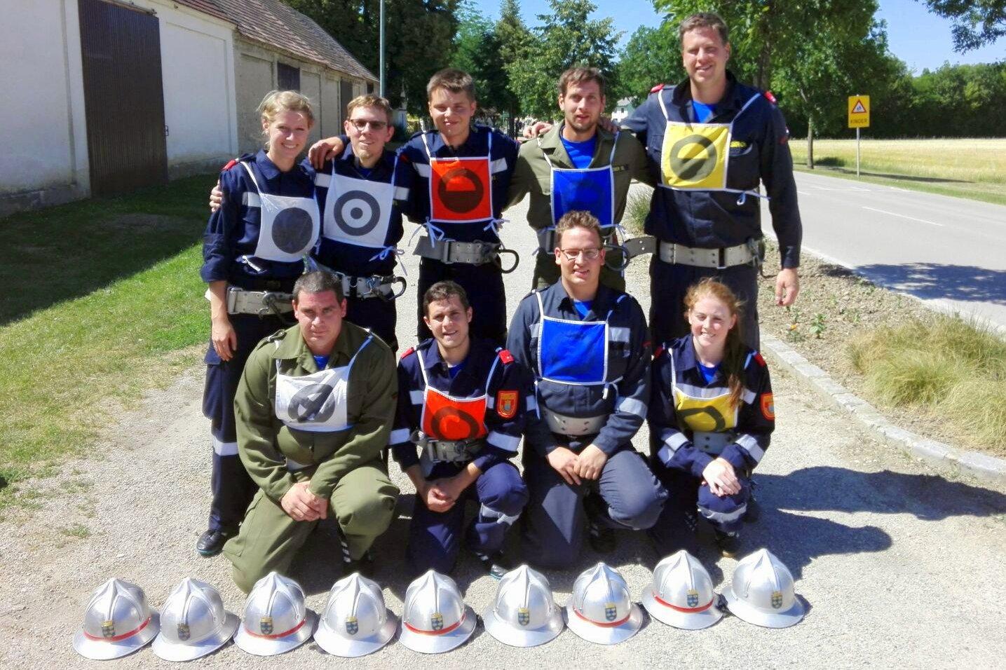 Mannschaftsaufstellung in Bronze, Bildquelle: FF Ebersdorf