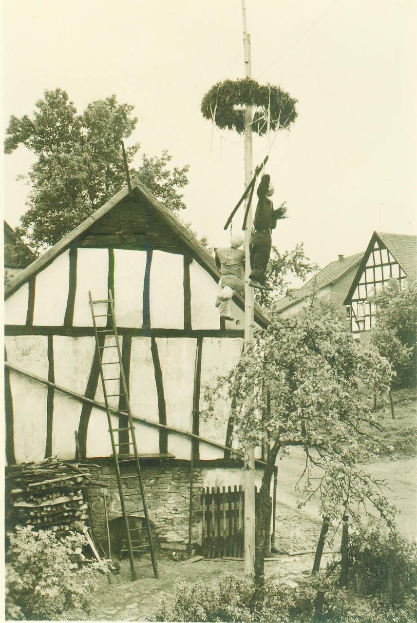 Der zurückeroberte Maibaum