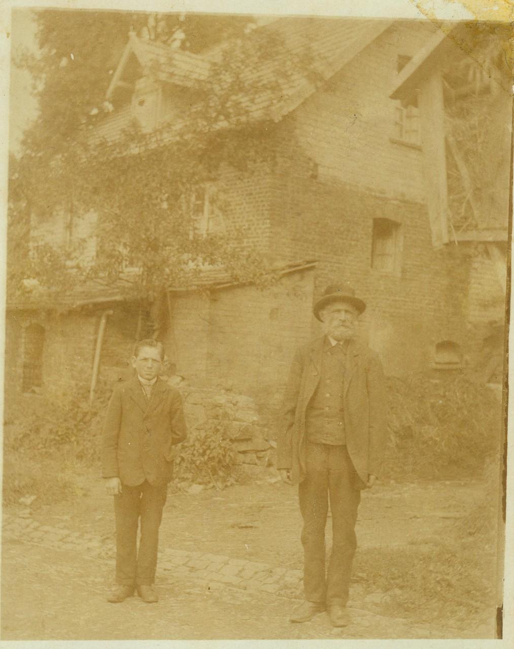 Wilhelm (rechts) und Heinrich Schmidt