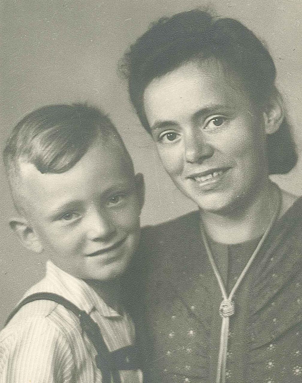 Otto mit Mama Lina