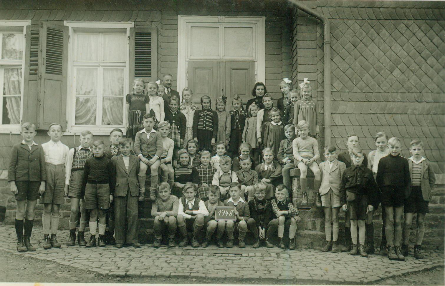 Schule in Obernau 1948