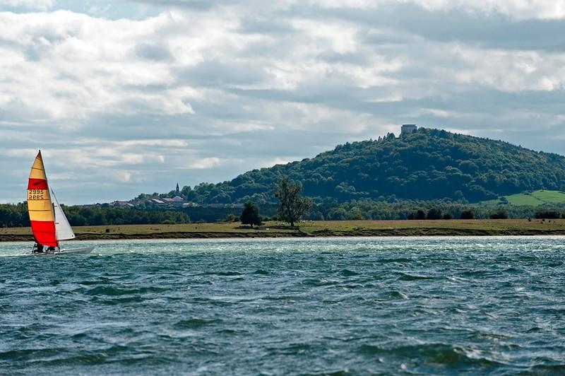 Butte de Montsec depuis le lac de Madine